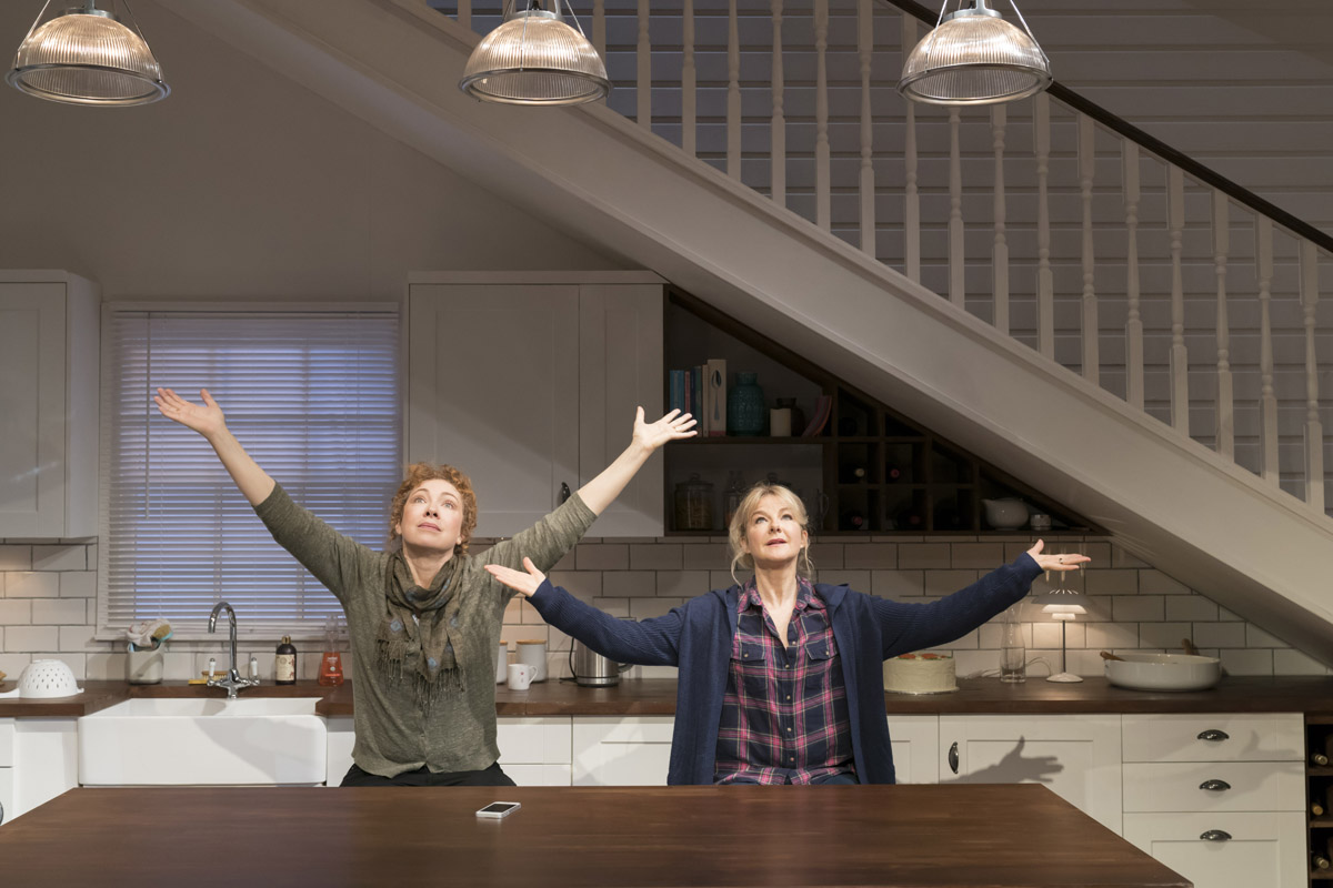 Alex Kingston (Sherri) and Sarah Hadland (Ginnie) (2) – photo credit Johan Persson.jpg