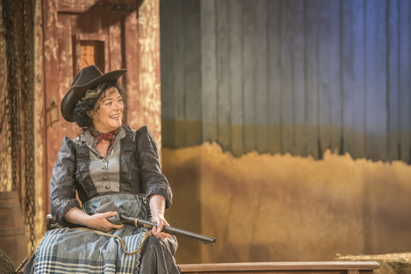 Josie-Lawrence-as-Aunt-Eller-in-OKLHAOMA-at-Chichester-Festival-Theatre-Photo-Johan-Persson_25279.jpg