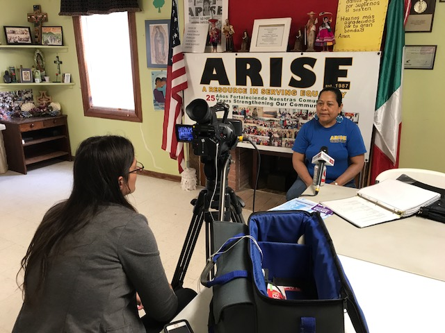 Local News Channel está entrevistando a Andrea sobre temas de inundaciones locales en nuestras comunidades.