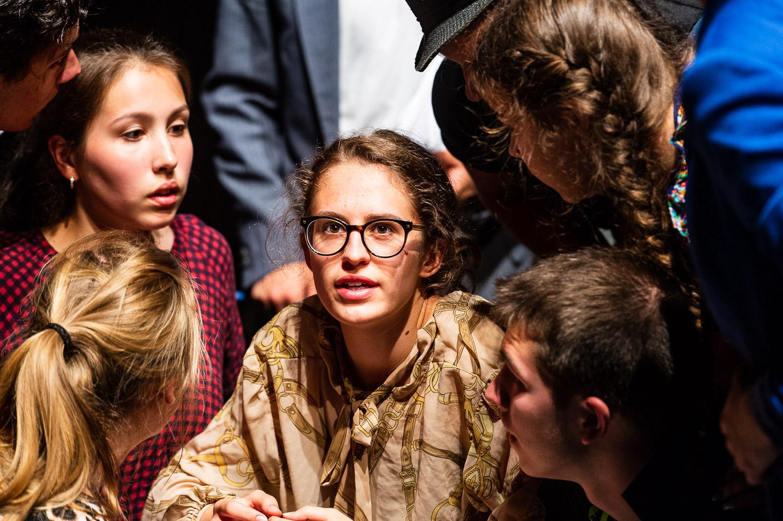 Zittau, 08.06.2018. Gerhart-Hauptmann-Theater Goerlitz-Zittau.Internationales PASCH-Schuelertheaterfestival.»Was? Schon 10 Jahre?!?« – Geschichten von der Zeit, wie sie vergeht und was das mit uns macht.Auf dem abwechslungsreichen viertaegigen Programm steht naturgemaess auch die interkulturelle, spielerische Begegnung der Schuelerinnen und Schueler aus den verschiedenen Laendern.Das Theaterfestival 2018 wird in Kooperation mit dem Gerhart-Hauptmann-Theater Zittau durchgefuehrt, das ueber langjaehrige internationale Kooperationserfahrungen verfuegt und insbesondere im Rahmen der Initiative J-O-S, die ihren Namen den Initialen der drei markanten Berge des Dreilaenderecks Jested (Jeschken) - Oybin - Sniezka (Schneekoppe) verdankt, junge Theatermacher/innen aus Deutschland, Tschechien und Polen zusammenbringt. Und dieses Jahr spielen – dank PASCH – noch drei weitere Laender Mittelosteuropas mit: die Slowakei, Litauen und schliesslich Ungarn, das mit zwei Theatergruppen der Fit-Schulen Revai Miklos Gimnazium Gyor und   Kossuth Lajos Gimnazium Debrecen stark vertreten ist.Das PASCH-Theaterfestival der Fit-Schulen Mittelosteuropas findet 2018 im Rahmen der Feierlichkeiten zum 10-jaehrigen Jubilaeum der PASCH-Initiative statt.//Foto: Pawel Sosnowski www.pawelsosnowski.com