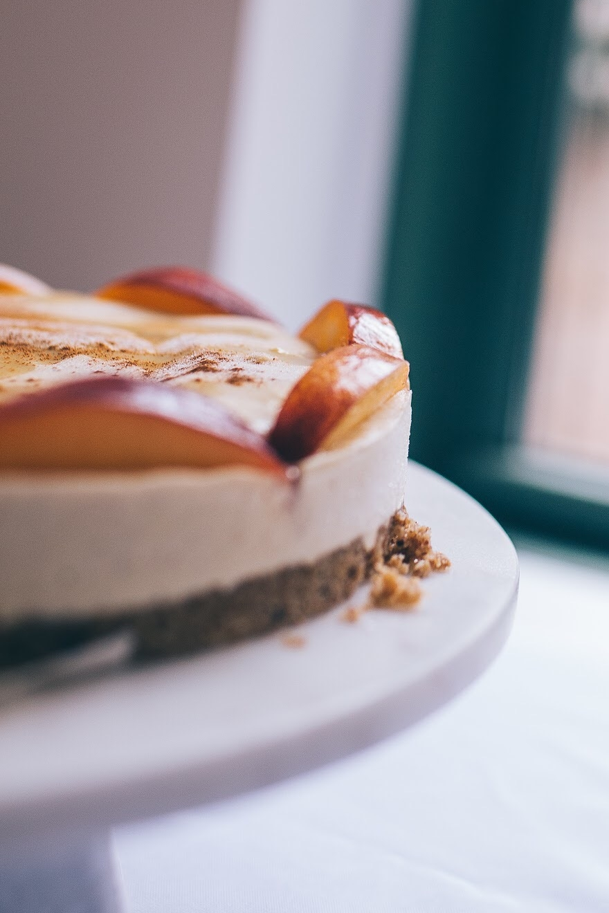 Cinnamon Peach Cashew Cheesecake (GF +V)