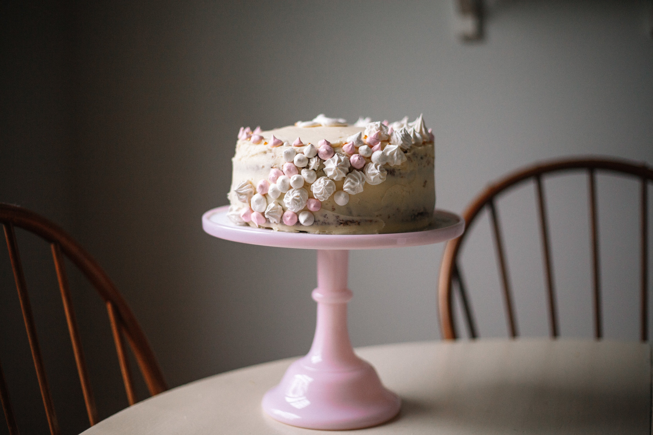 vanilla cake with vanilla buttercream + meringue kisses | marina gunn