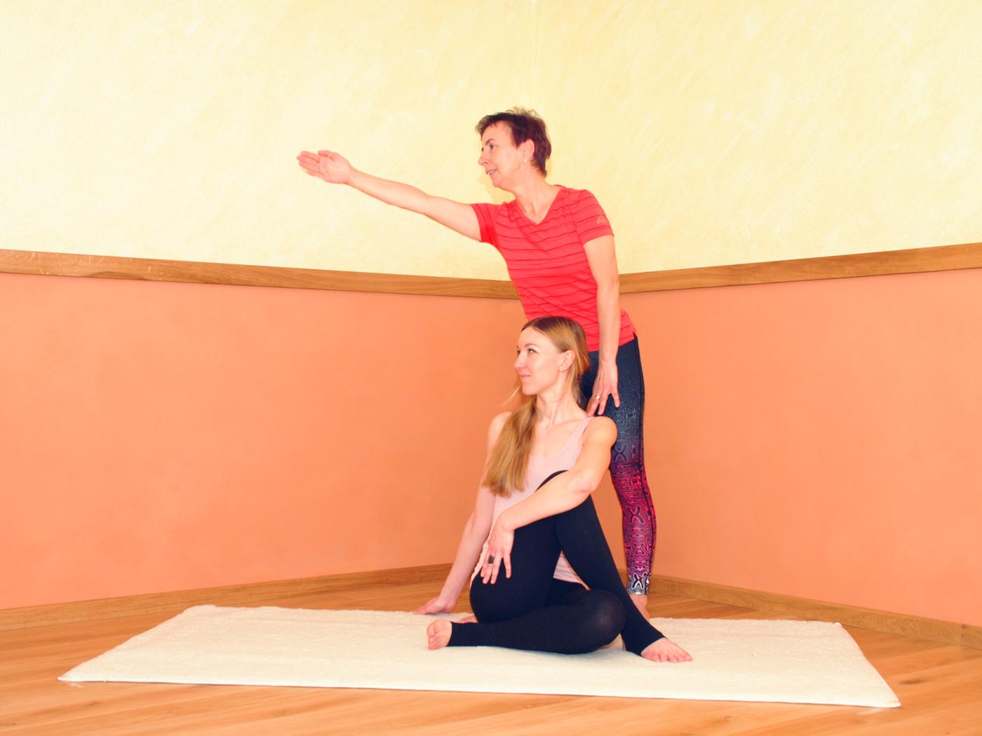 Adelheid-Schmidt.yoga-Individuelles-Training-02.jpg