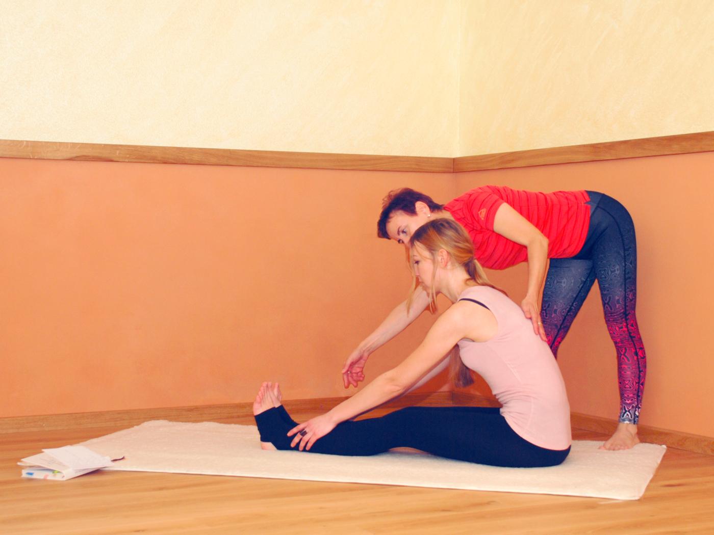 Adelheid-Schmidt.yoga-Individuelles-Training-03.jpg