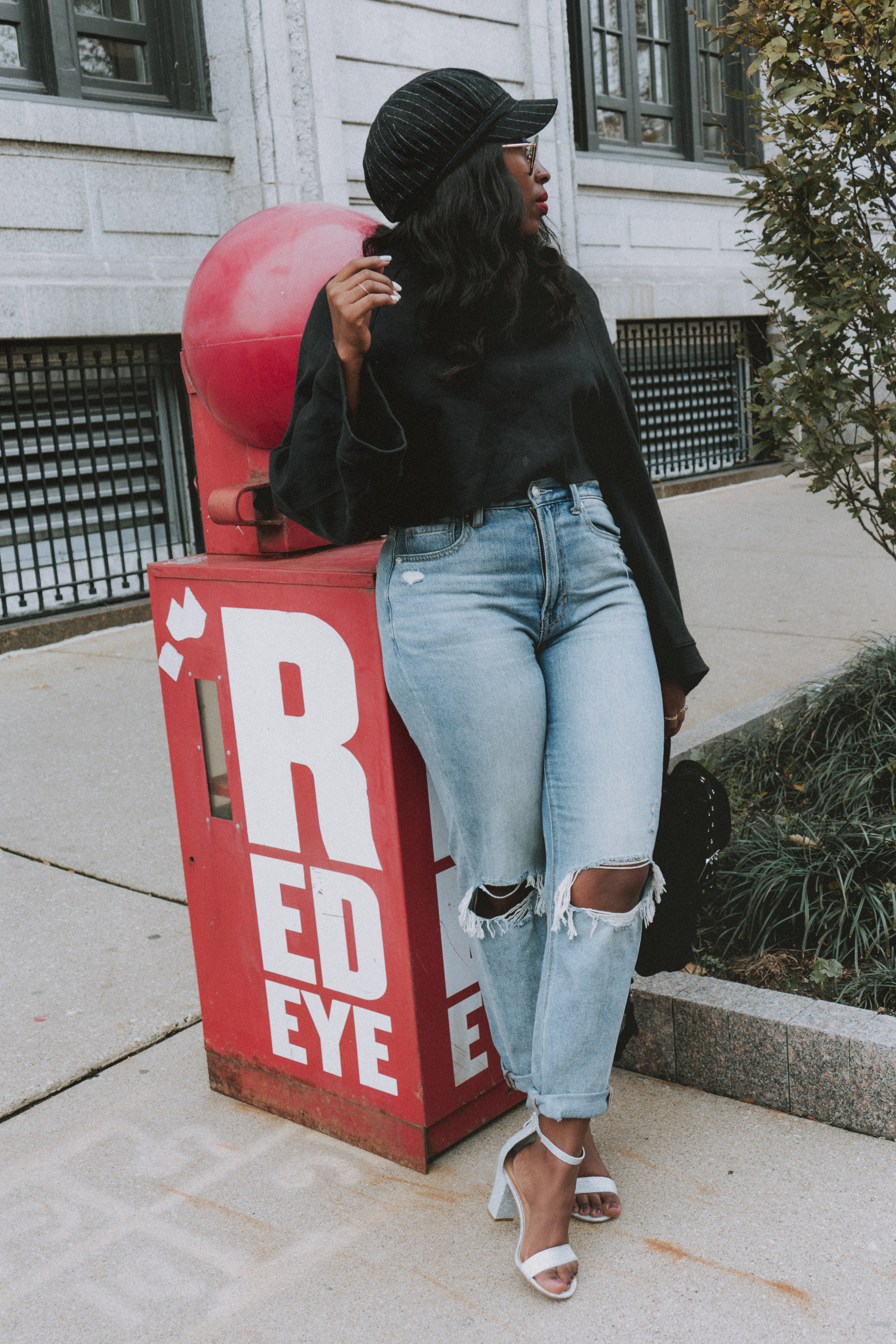 spring outfit, how to put an outfit together, winter outfit ideas, how to style denim jeans, highwaisted jeans, bell sleeve sweater
