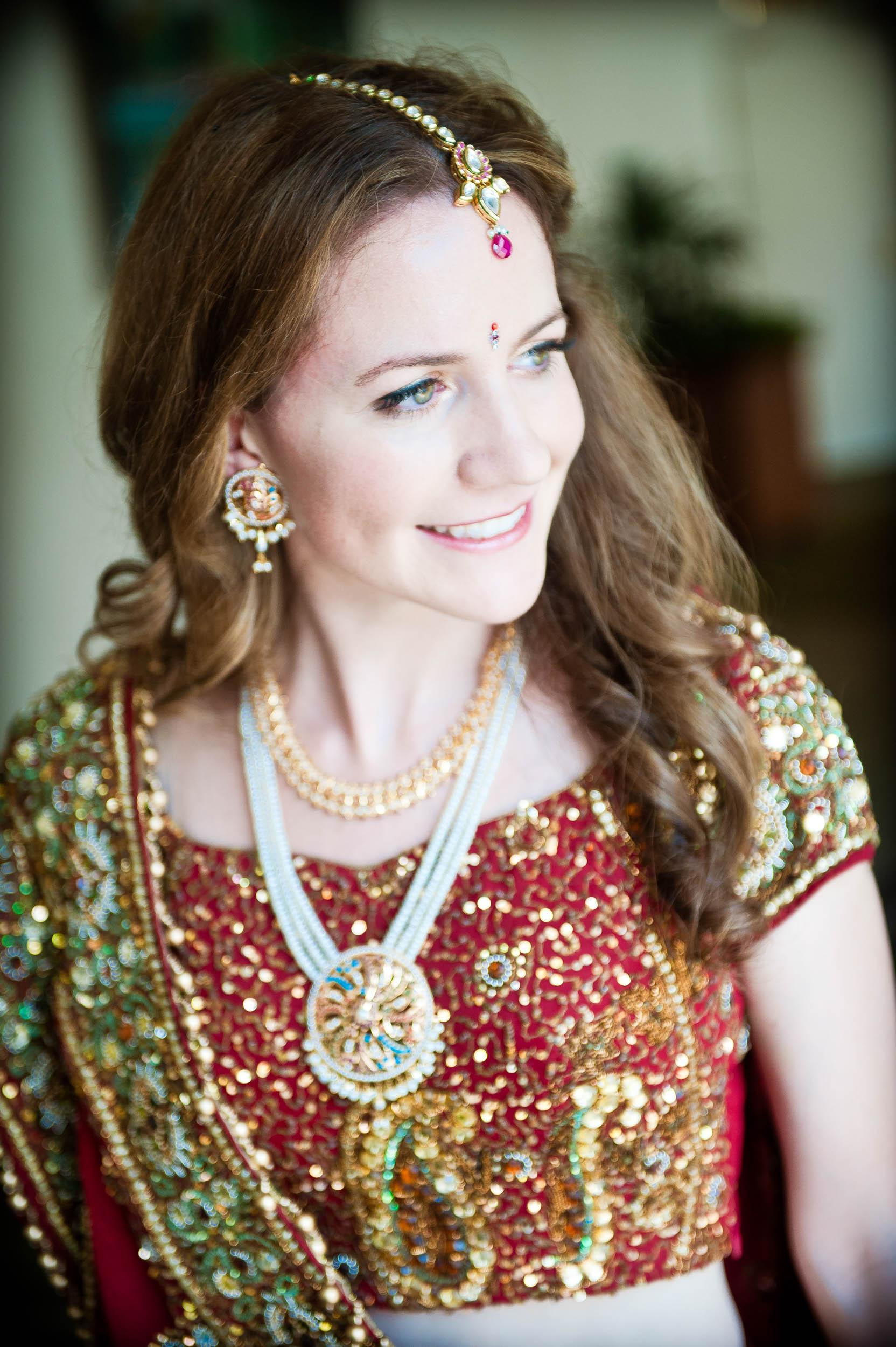 Wedding13Bride_Indian_wedding_full_dress-2.jpg