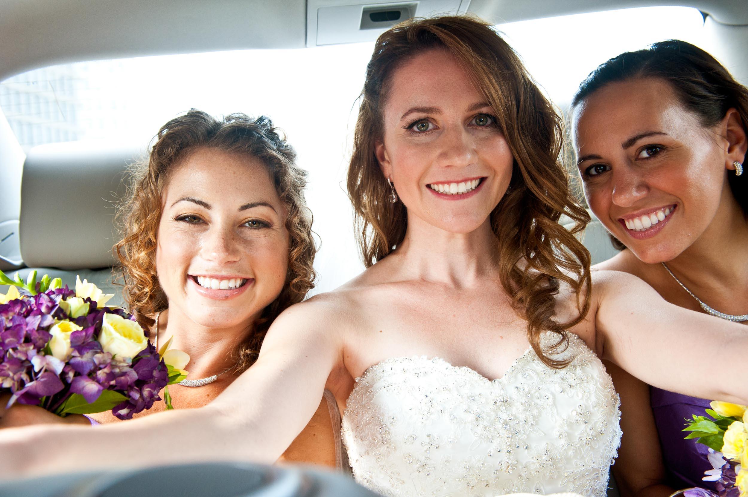 Wedding49Bride_In-a_Limo-2.jpg