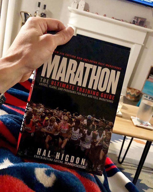 HAPPY MARATHON WEEKEND LA!!! It's been a while since I've picked up a book, but I'm deep in this read. Definitely a solid go-to for anyone considering racing or in their beginning stages of marathoning.  Covers all the basics from the grass root science to psychology, all with professional advice, personal experiences and scientific backing. It's an easy read, and I definitely recommend it! But most importantly, Happy Friday everyone. Let's soak up this weekend! The LA streets are going to be filled with all our good vibes! Woot woot runners!! 🏃🏻‍♂️🥳 #lamarathon #26point2 #runLA #marathon