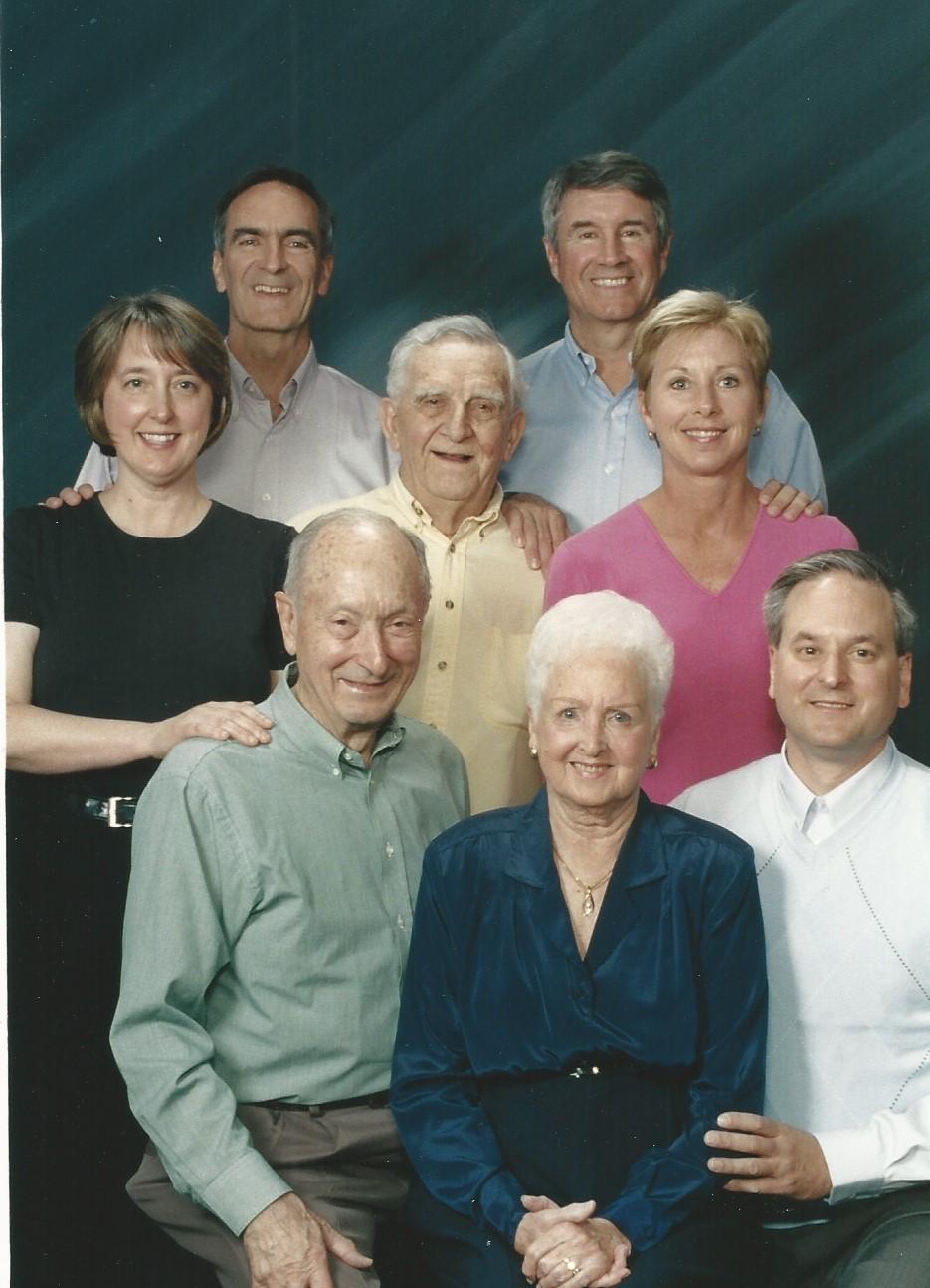 Family Photo (2)-1.jpg