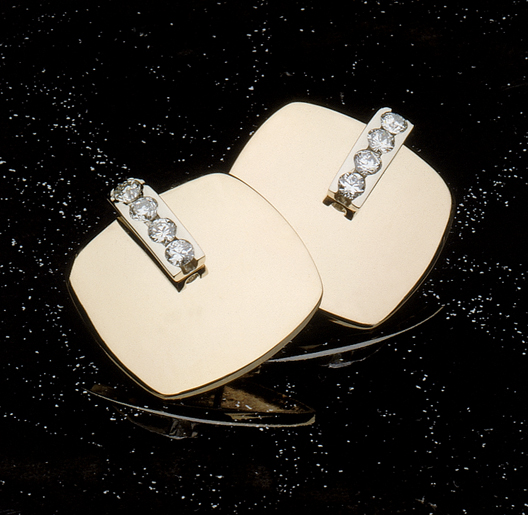 JamesBradshaw-Goldsmith-Earrings-1.jpg