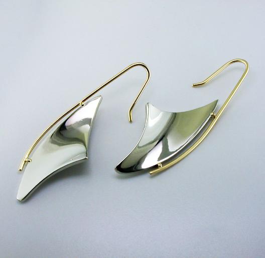 JamesBradshaw-Goldsmith-Earrings-8.jpg