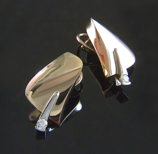 JamesBradshaw-Goldsmith-Earrings-13.jpg