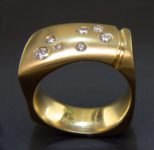 JamesBradshaw-Goldsmith-Gold-and-Diamond-Bandring2.jpg