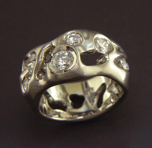 JamesBradshaw-Goldsmith-Gold-and-Diamond-Bandring3.jpg