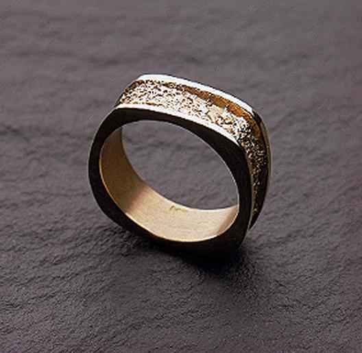 JamesBradshaw-Goldsmith-Gold-and-Diamond-Bandring4.jpg