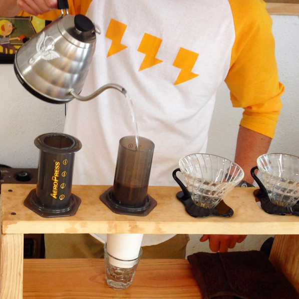 AeroPress and V60 Pour-over at Uel Zing Coffee Lab
