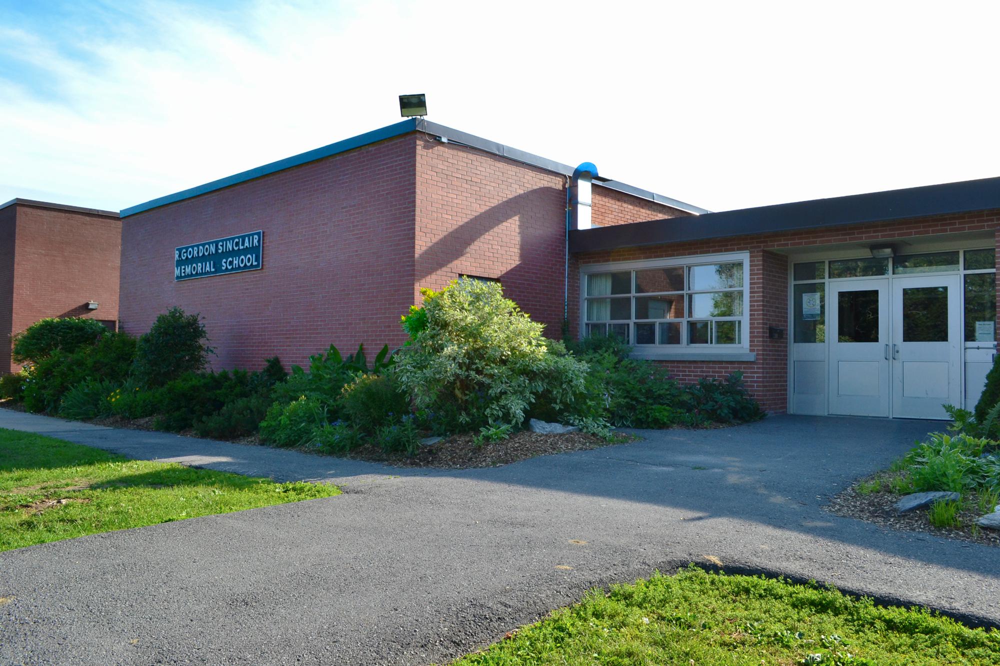 RG SINCLAIR - PUBLIC SCHOOL