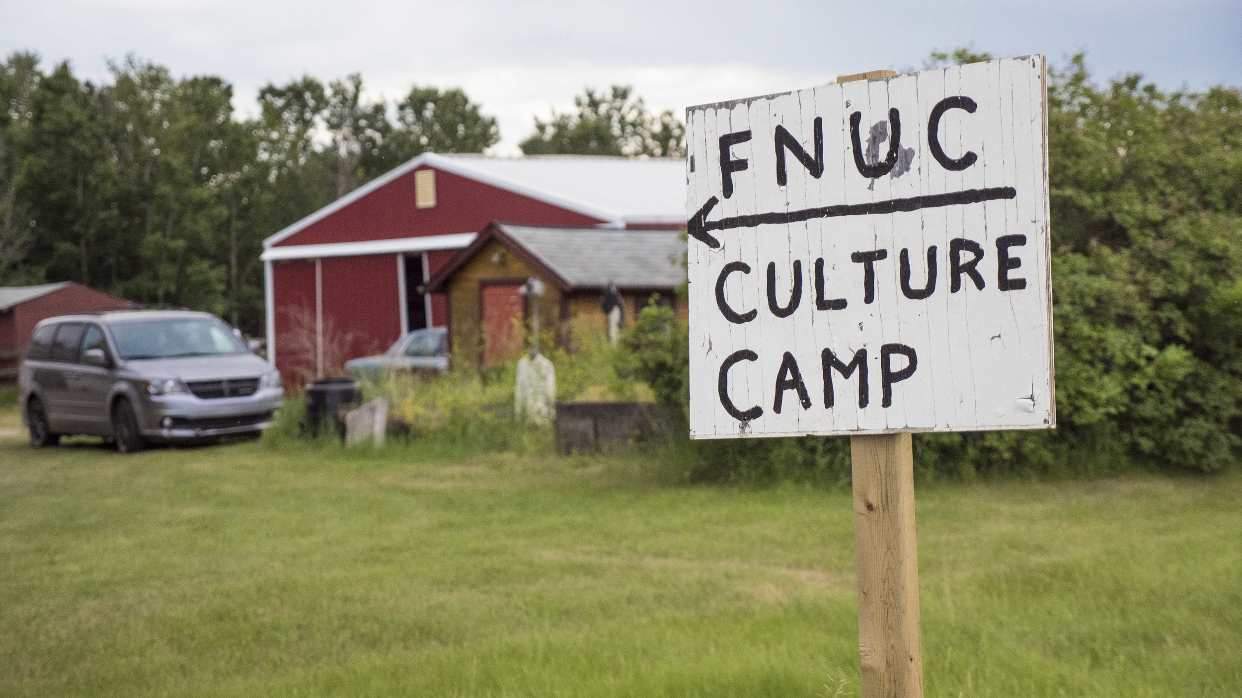 Sign pointing to the FNUniv culture camp