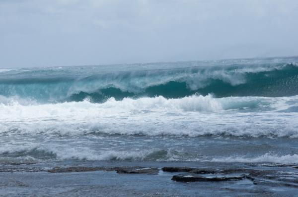ocean-waves-rolling.jpg