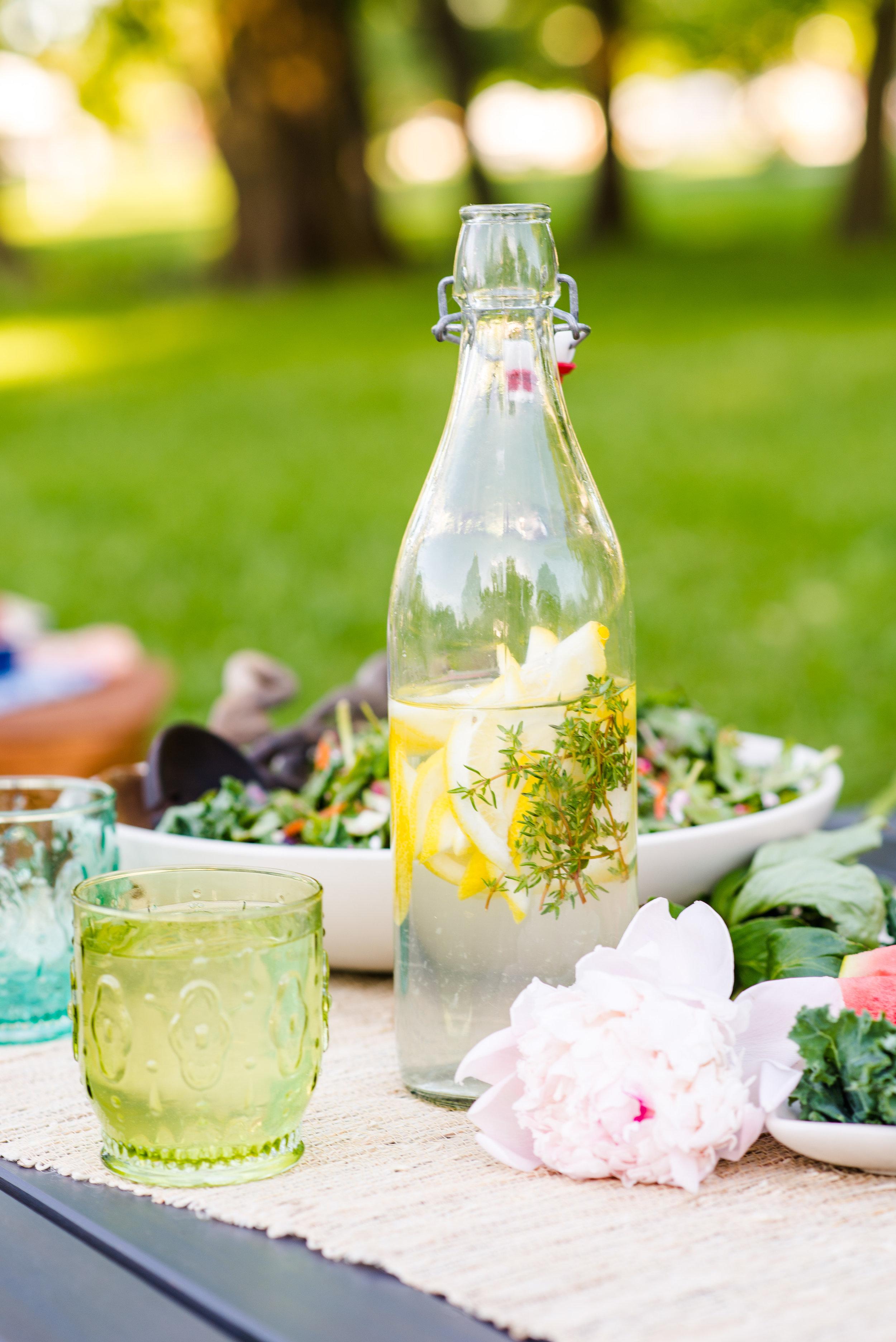 picnic_drinks_flavored_water.jpg