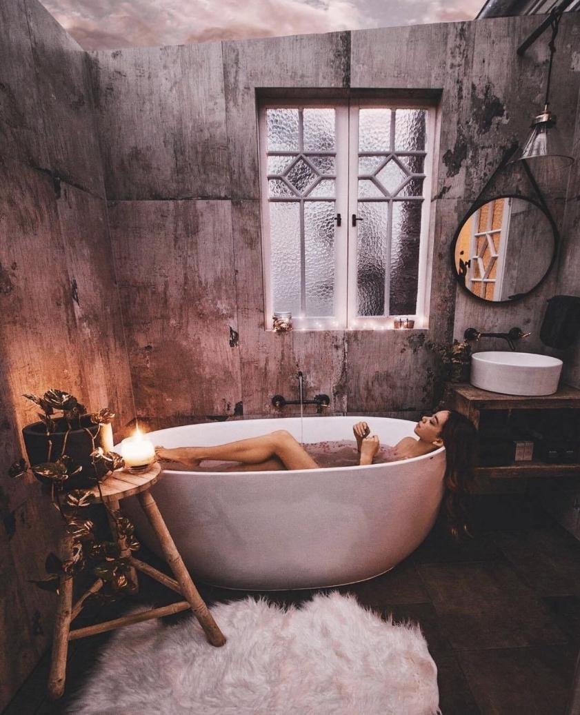Photo courtesy of  amazing.baths