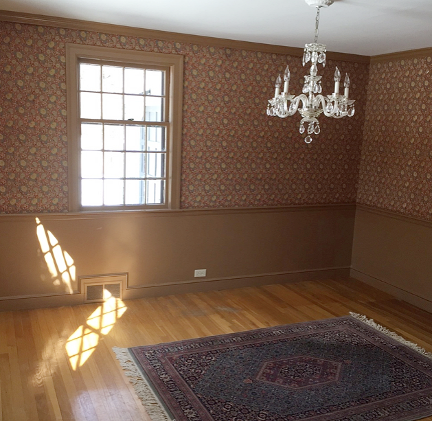 Dining room: I think this was Aladdin's original magic carpet and I'm thinking this must have been the color of the year in 1951 because why else?
