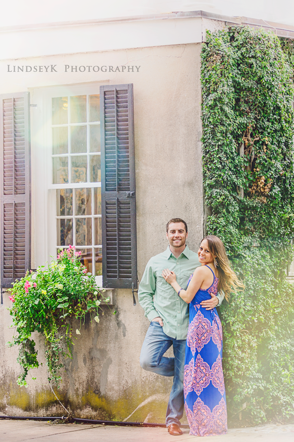 engagement-photos-in-charleston-battery.png