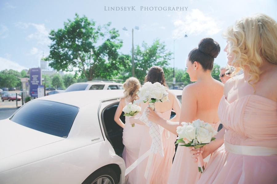 bridesmaids-limo.png