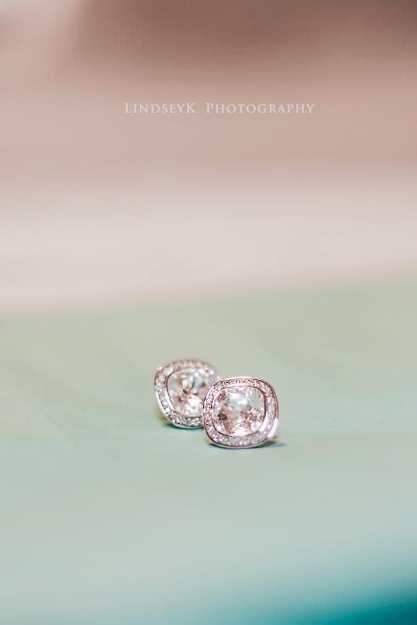 tiffanys-wedding-earrings.png