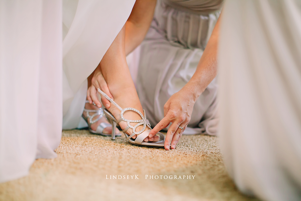 sparkly-wedding-shoes
