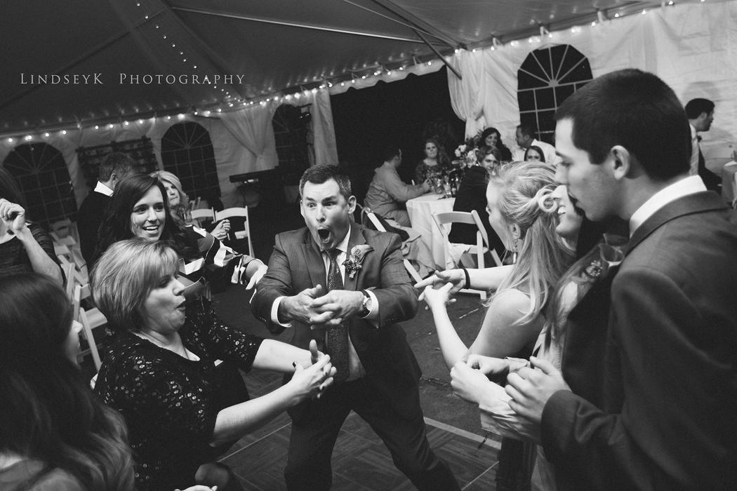 crazy-wedding-dancing