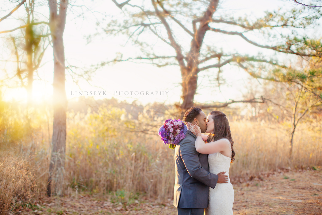 sunset-wedding-kiss