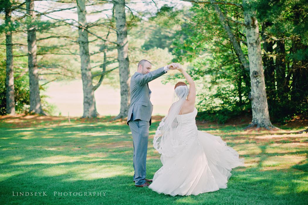 groom-spinning-bride.jpg