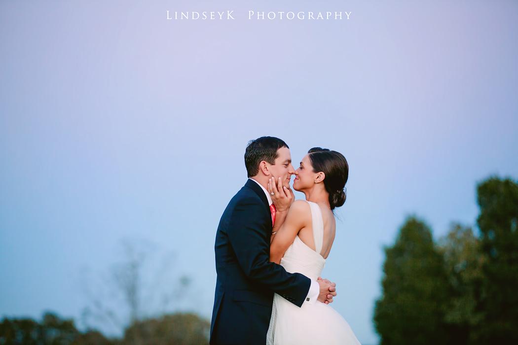 romantic-kiss.jpg