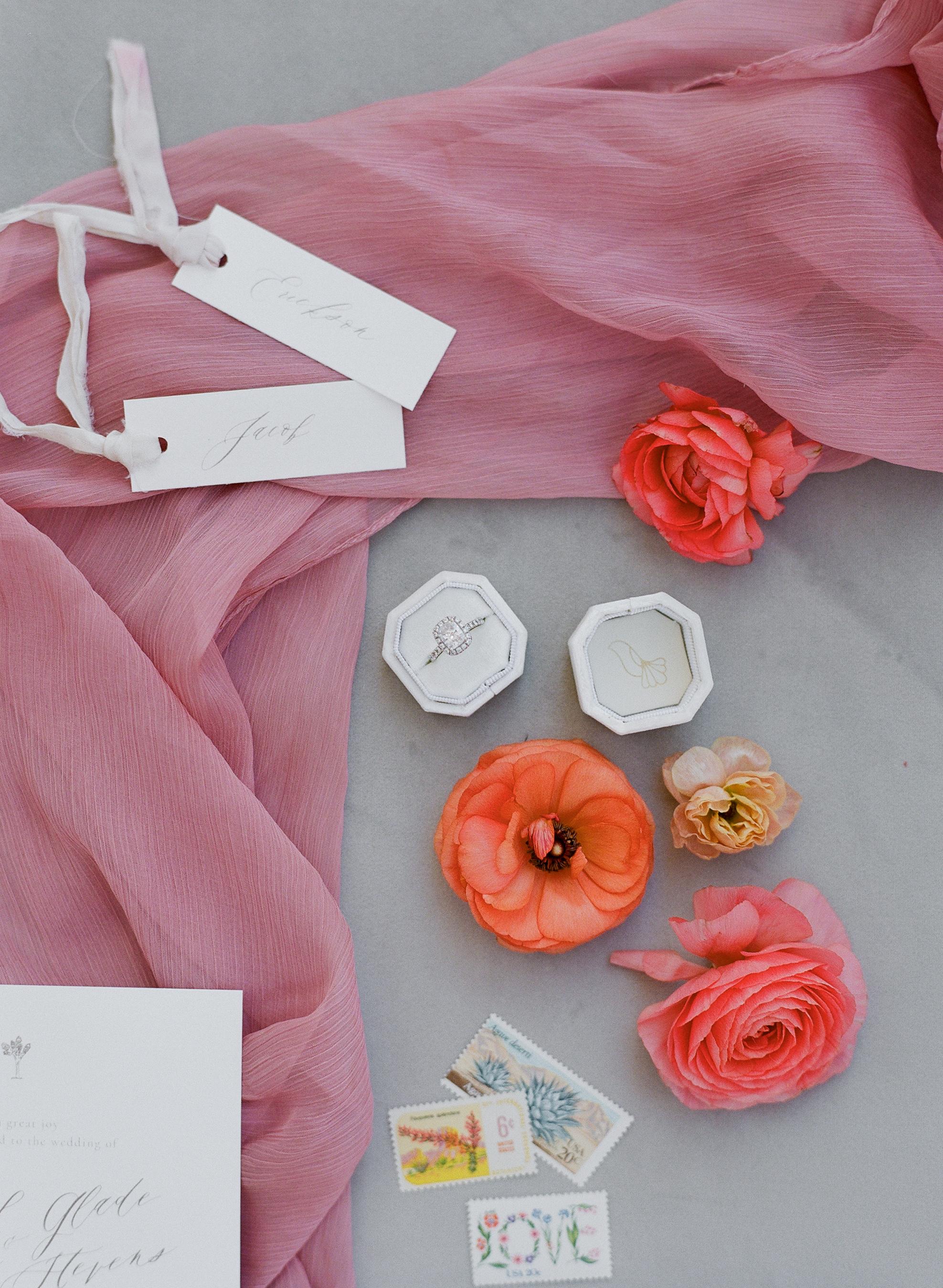 Savan Photography I Oak + Amble flowers I Foil + Ink paper goods