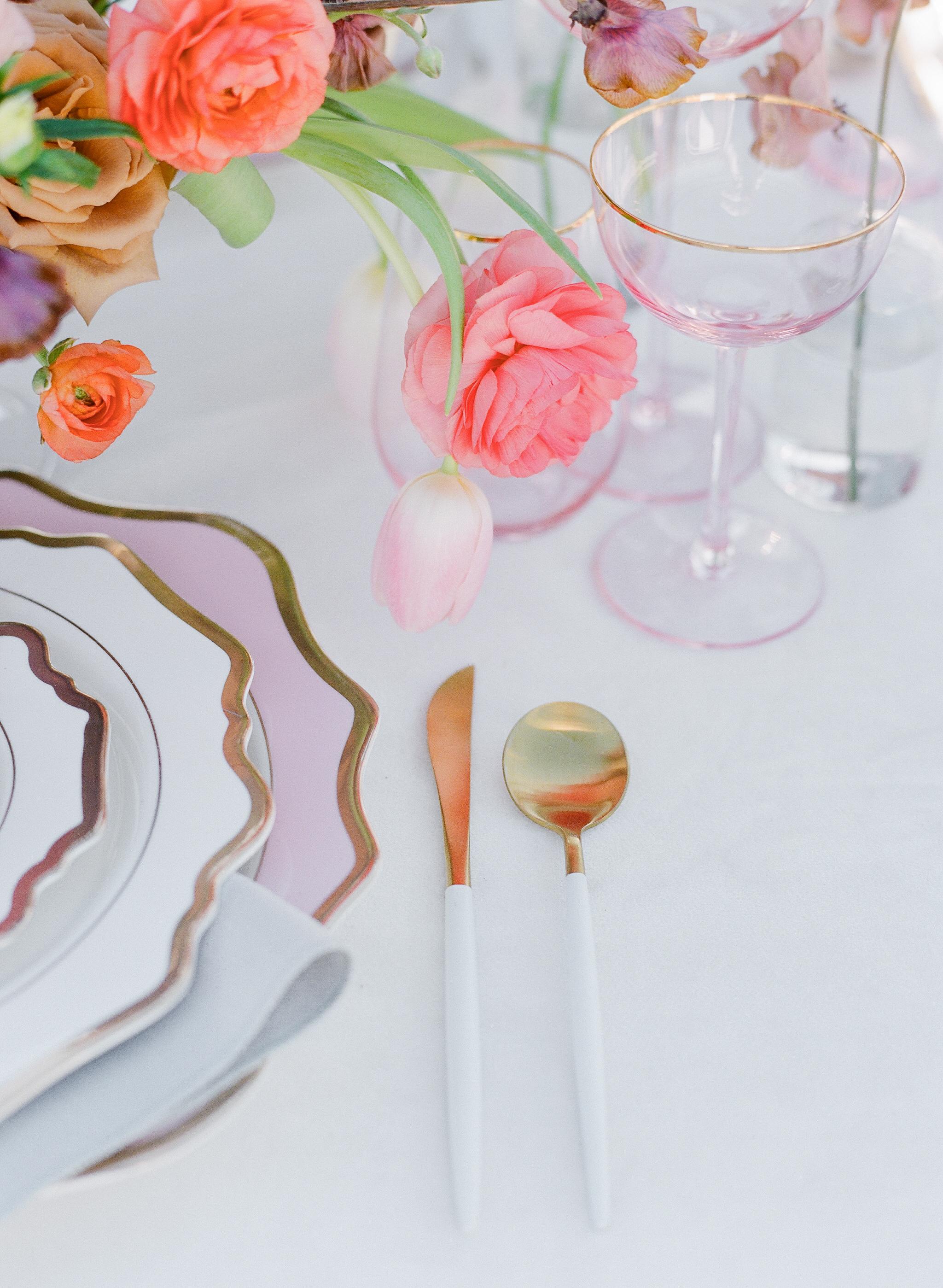 Savan Photography I Oak + Amble flowers I Signature Party Rentals table top goods I Party Crush Studio linens