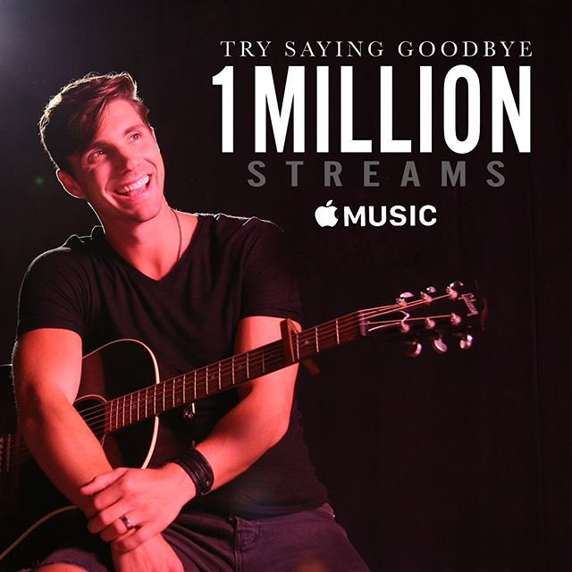 1 MIL Steams @applemusic!!! 🎉🥇🍎Big thank you to the amazing team @apple and to y'all for being the BEST FANS EVER 🙌🏼 #TrySayingGoodbye . . . 📸 @jeffjohnsonimages . 🎸 @gibsonguitar . 💇🏻‍♂️ @love_kevin_murphy . 👕 @rufskin . #applemusic #one #million #streams #countrymusic #countryfans #lovekm #sponsored #ad