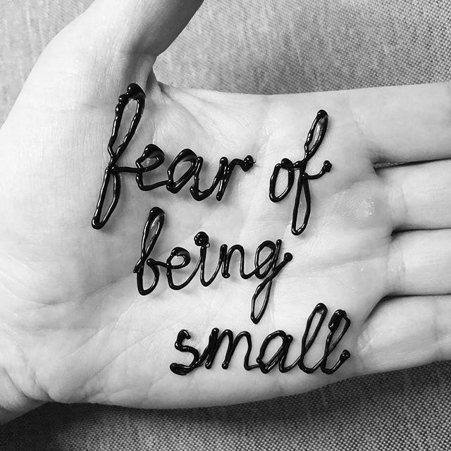 Fear of being small . . . . . . #newyorkart #newyorkartist #brooklynartist #visualart #contemporaryart #drawing#painting #blackandwhite #blackandwhiteart #poem #poetry #writing#poetrycommunity #poetsofinstagram #Рисунок #kunst #Искусство #wordart