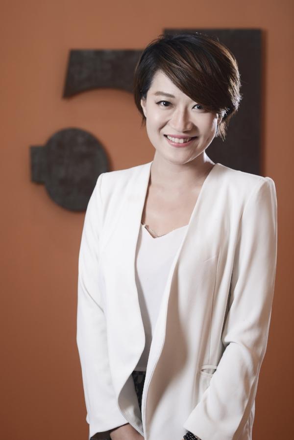 Faye Wang.jpg