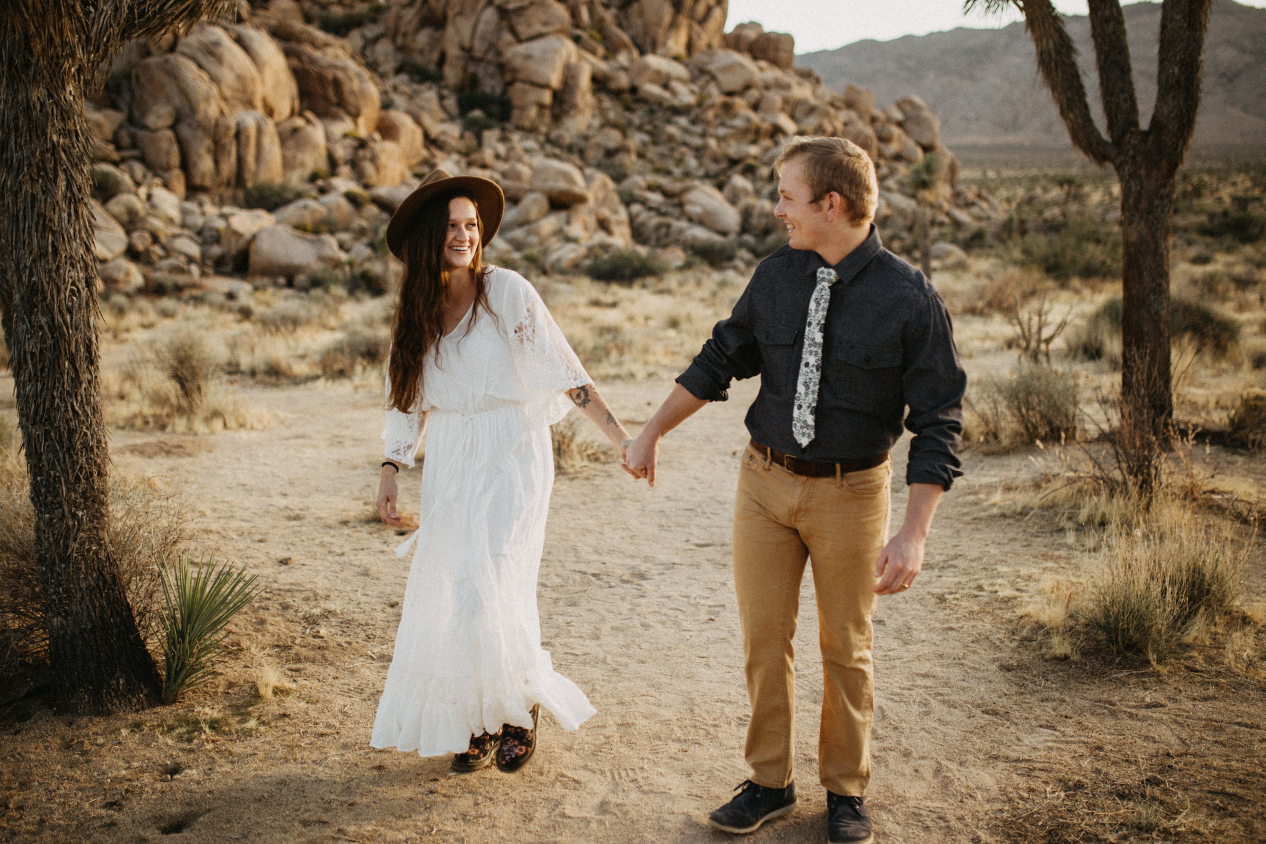 Joshua Tree National Park Adventure Couples Session Photographer Payton Marie Photography-10.jpg