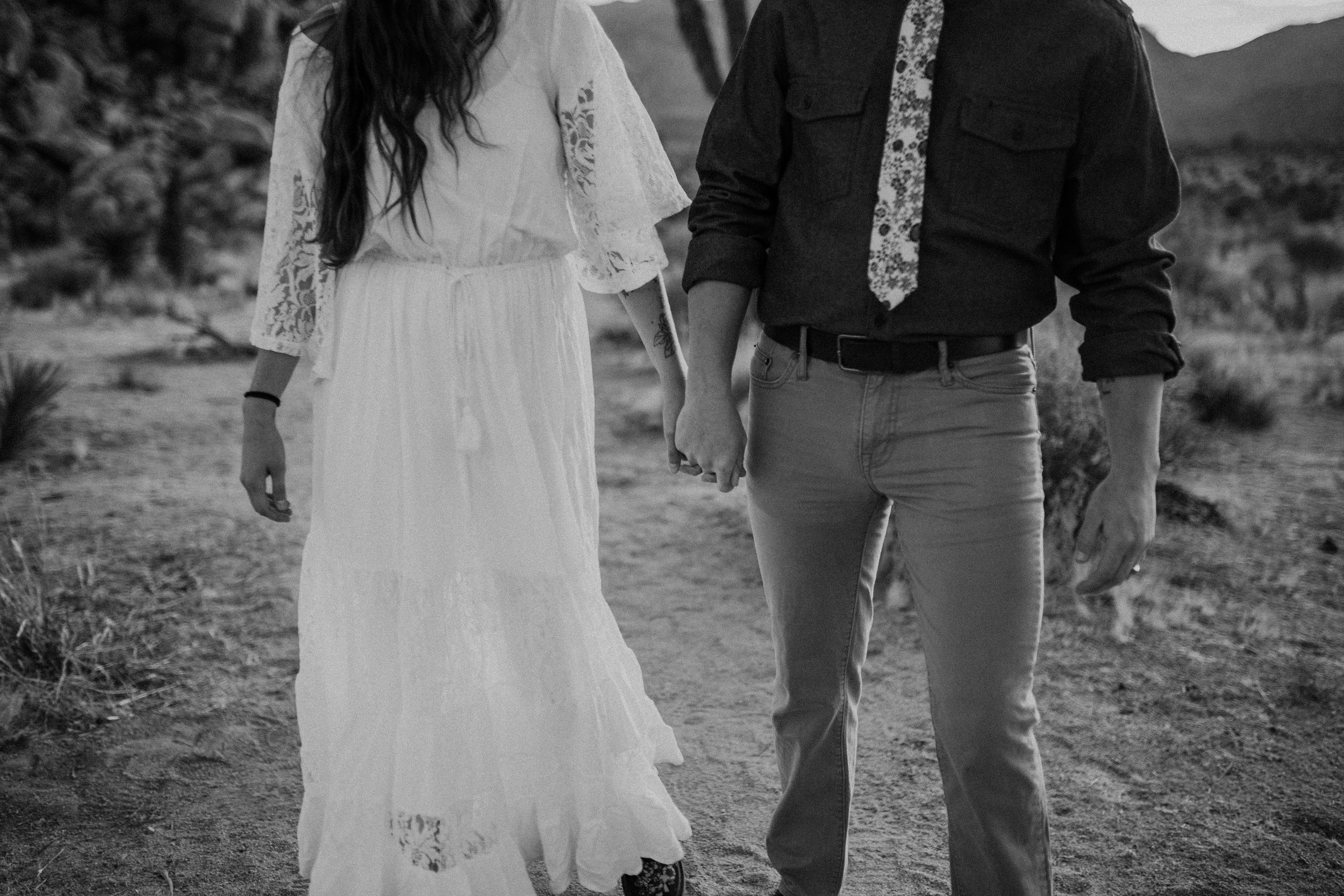 Joshua Tree National Park Adventure Couples Session Photographer Payton Marie Photography-11.jpg