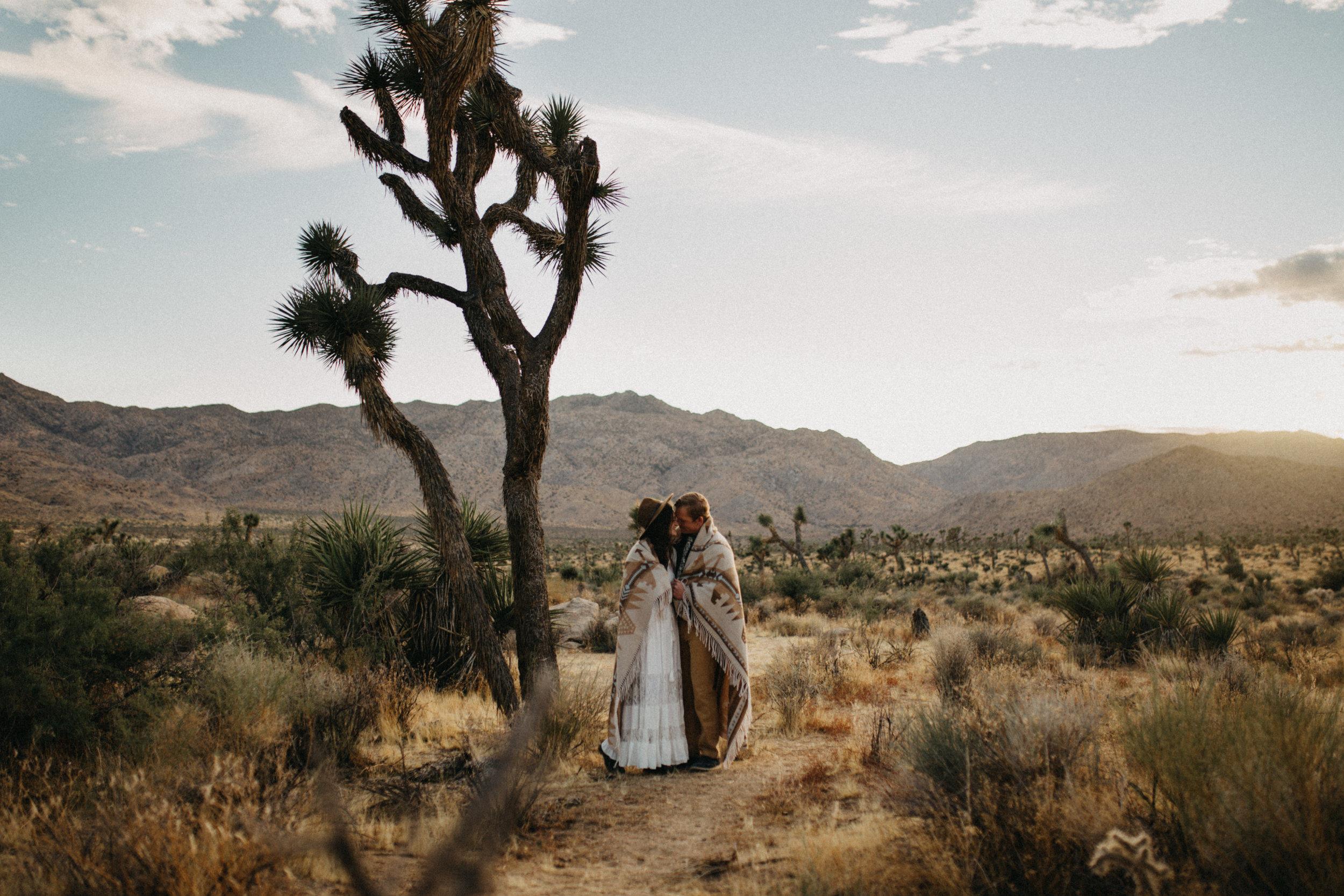 Joshua Tree National Park Adventure Couples Session Photographer Payton Marie Photography-22.jpg
