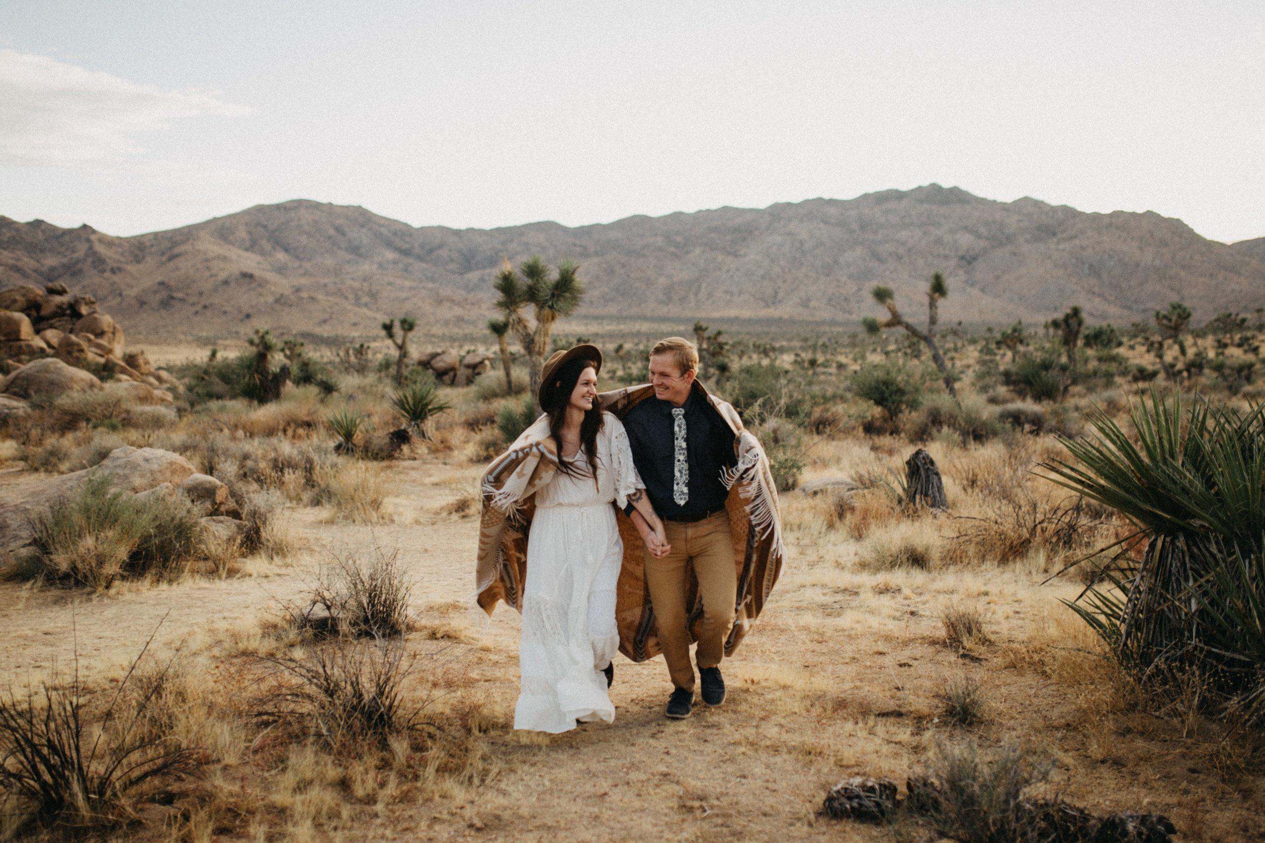 Joshua Tree National Park Adventure Couples Session Photographer Payton Marie Photography-25.jpg