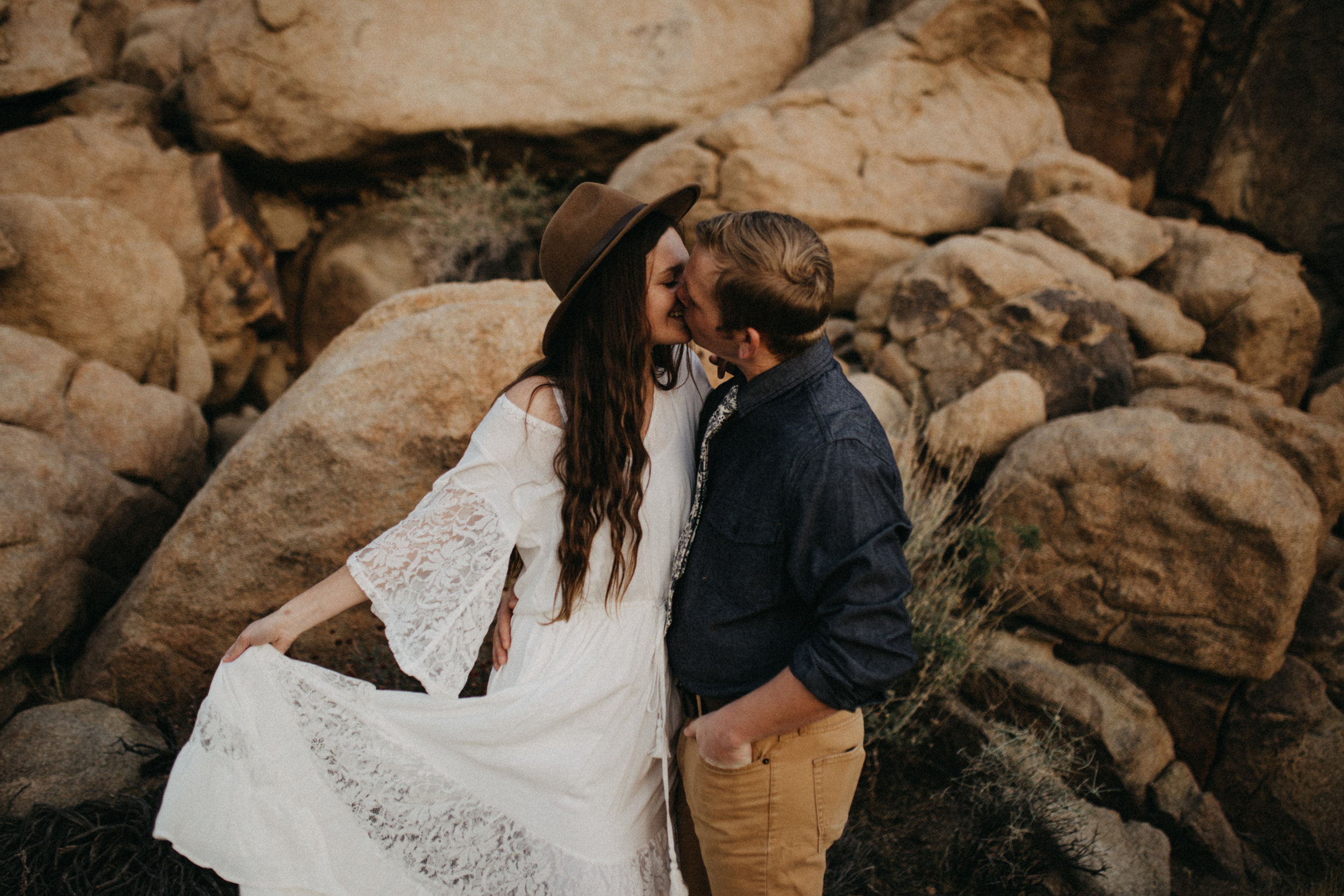 Joshua Tree National Park Adventure Couples Session Photographer Payton Marie Photography-30.jpg