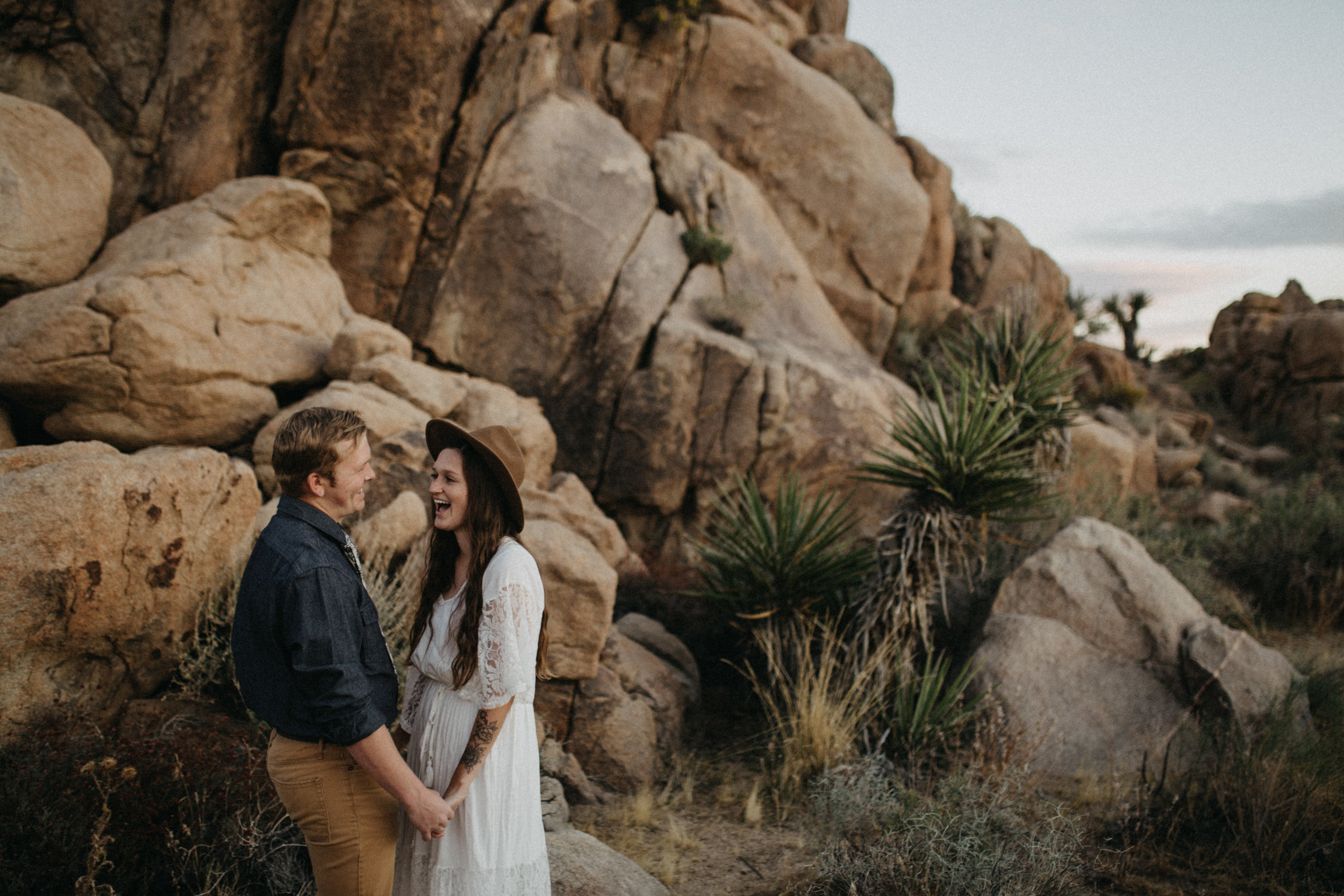 Joshua Tree National Park Adventure Couples Session Photographer Payton Marie Photography-32.jpg