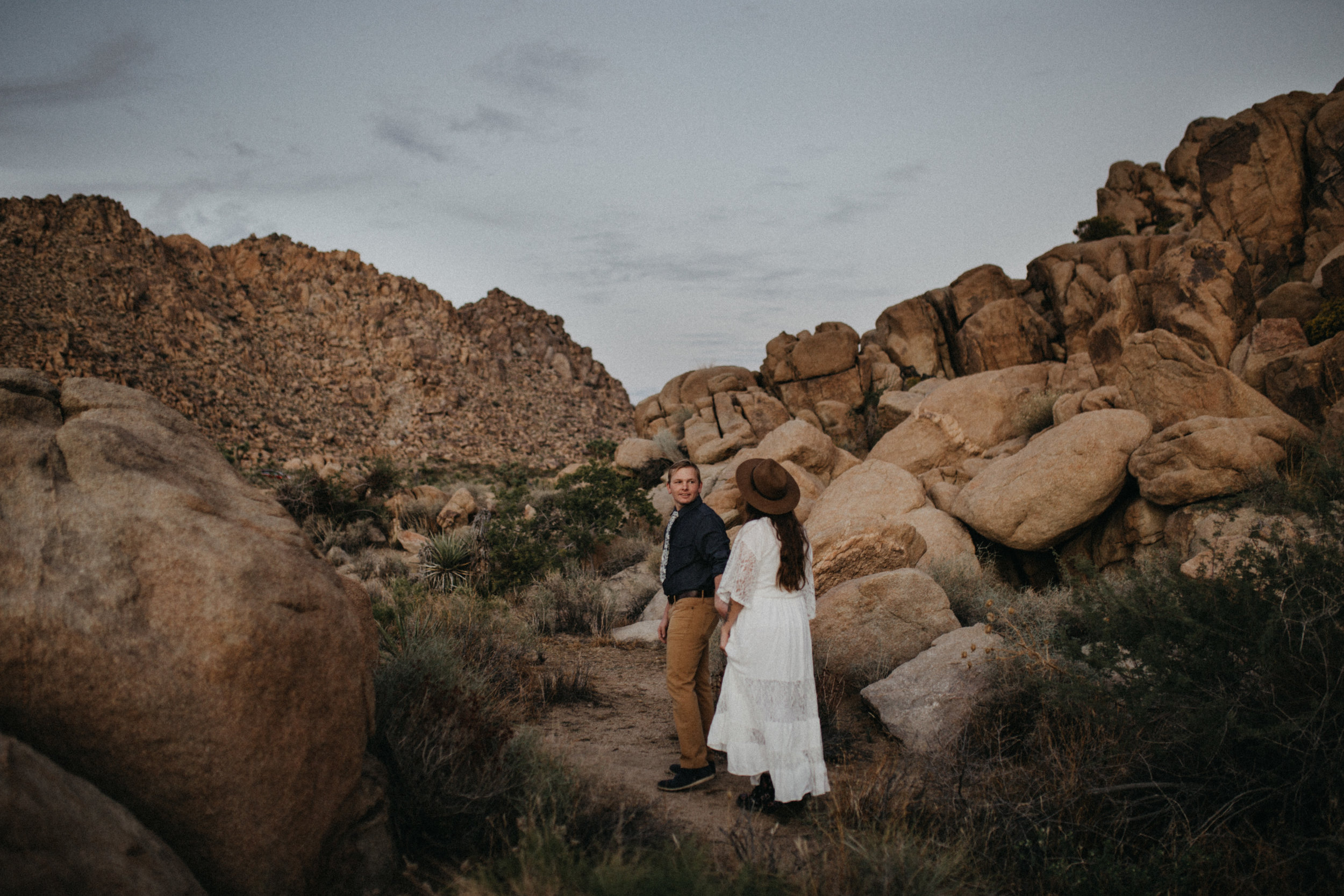 Joshua Tree National Park Adventure Couples Session Photographer Payton Marie Photography-37.jpg