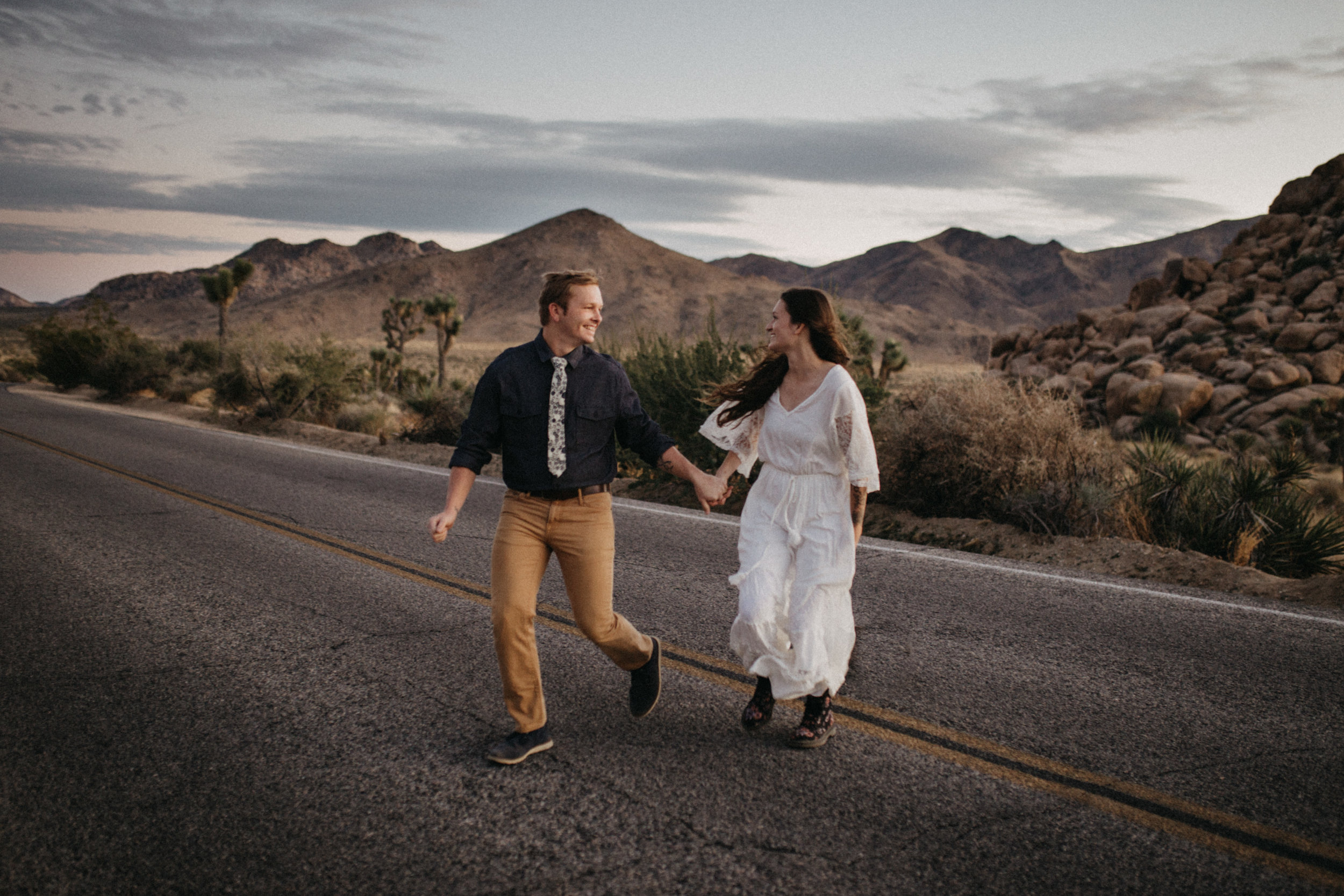 Joshua Tree National Park Adventure Couples Session Photographer Payton Marie Photography-38.jpg
