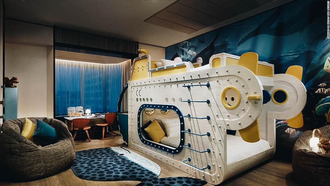 bebes-underwater-room-shangrilasingapore.jpg