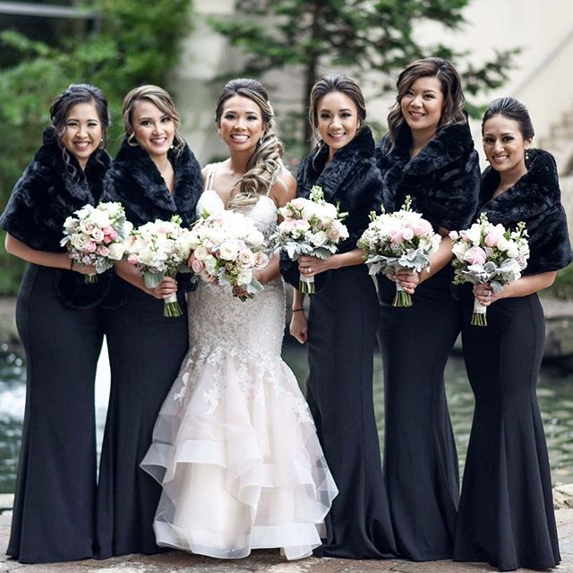 How fabulous are these girls and their fur stoles!? Such a pleasure working with my gorgeous bride, @duyiee  Photographer: @heyal_belllee  Hair and makeup on bride: @aubreykaye 🙋🏻‍♀️ Hair on all bridesmaids: @aubreykaye 🙋🏻‍♀️ Makeup on bridesmaids: @lindigoogoo