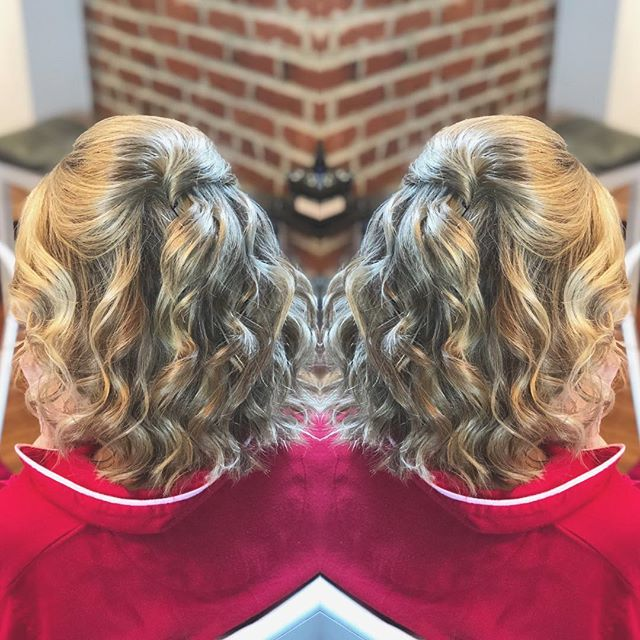 Fun waves for the mother of the bride @stylemebar #bringingthesalontoyou #dcbride #dcwedding @aubreykaye